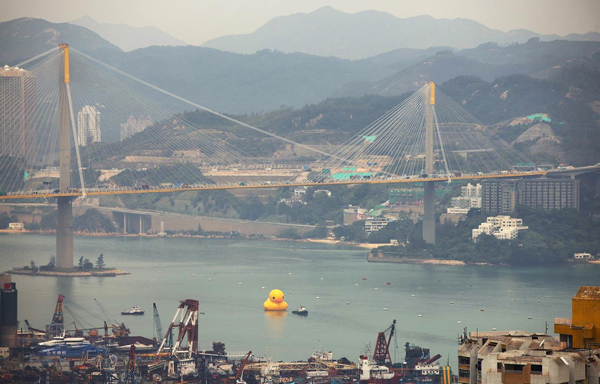 worlds-largest-rubber-duck-3
