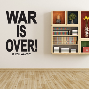 offerta-adesivo-murale-war-is-over